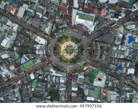 Road roundabout large The road has six lines beautiful Before sunset , Bird Eye View in bangkok , 22 Karakadakhom Circle , Bangkok , Thailand .