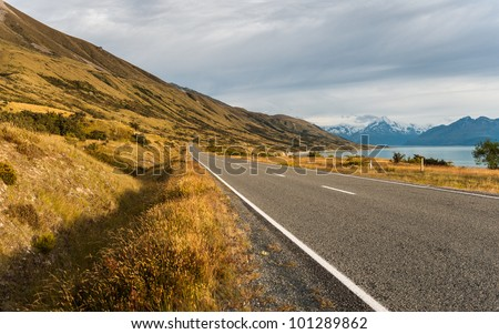 Road to Pukaki Lake and Southern Alps, New Zealand
