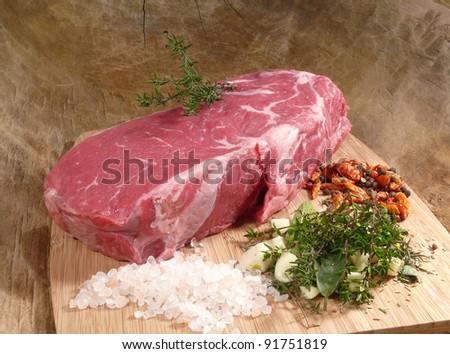 Roast beef (roast beef) with ingredients - stock photo