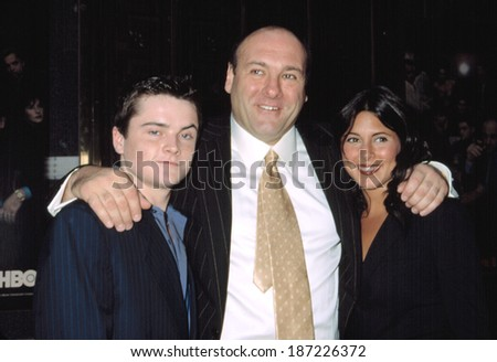Robert Iler, James Gandolfini and Jamie-Lynn Sigler at premiere of THE SOPRANOS, NY 9/5/2002
