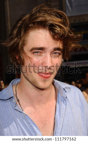 """Robert Pattinson at the premiere of """"Harry Potter and The Order of The Phoenix"""". Grauman's Chinese Theatre, Hollywood, CA. 07-08-07 - stock photo"""