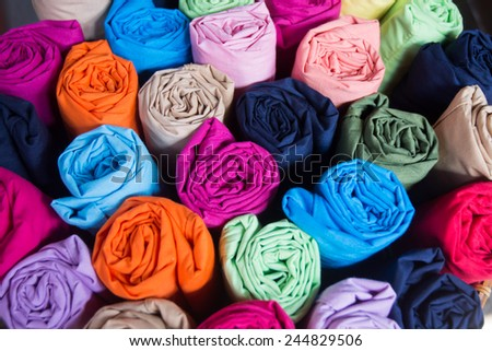Roll the fabric colors