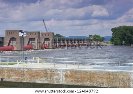 Roller gates and tainter gates on Mississippi River at Lock and Dam 7 in La Crescent Minnesota