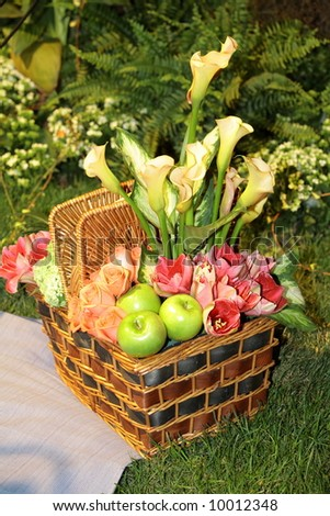 romantic picnic basket with floral