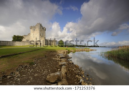 Ross Castle (Irish: Caisle�¡n an Rois) is located on the edge of Lough Leane, in Killarney National Park, County Kerry, Ireland