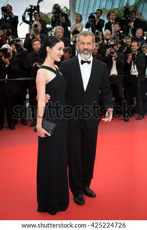 Rossalind Ross, Mel Gibson  at the Palme D'Or Winner Red Carpet at the 69th Festival de Cannes.
