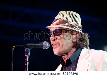 SACRAMENTO, CA - JULY 29: Fee Waybill of The Tubes performs at Thunder Valley Casino and Resort in Lincoln, California on July 29th, 2011