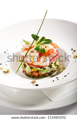 Salad with Cucumber, Tomatoes, Shrimps and Quail Eggs
