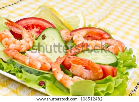 salad with king shrimps and fresh vegetables