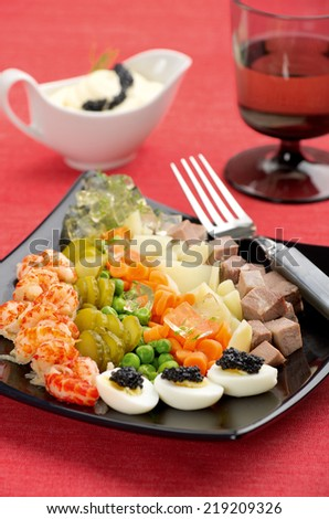 salad with shrimp and beef