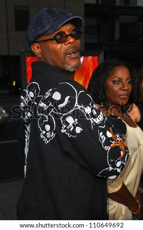 """Samuel L Jackson and LaTanya Richardson at the Los Angeles Premiere of """"Resurrecting The Champ"""". Samuel Goldwyn Theater, Beverly Hills, CA. 08-22-07 - stock photo"""