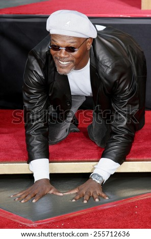 Samuel L. Jackson attends the Hand & Footprint Ceremony for Samuel L. Jackson held at the Grauman's Chinese Theatre in Hollywood, California on January 30, 2006.