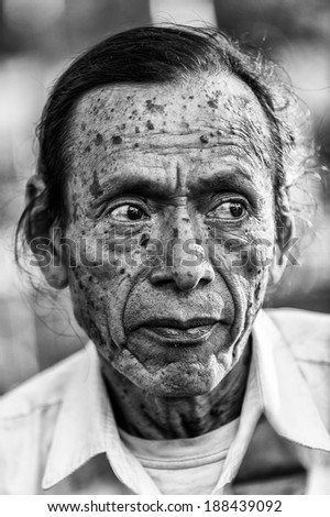 SAN SALVADOR, SALVADOR - JAN 5, 2012: Unidentified Salvador old lady. 86% of the population of Salvador are Mestizos