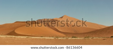 Sand dunes in Sossusveli in the Namibian desert