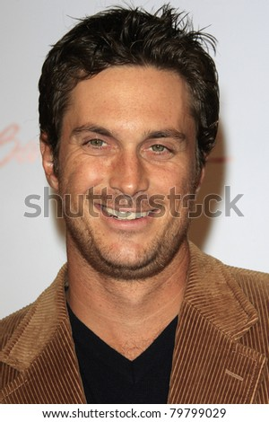 SANTA MONICA, CA - OCTOBER 04: Oliver Hudson at the Lili Claire Foundation's 11th Annual Benefit Dinner on October 4, 2008 in Santa Monica, California