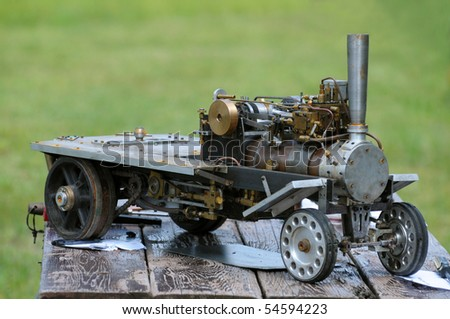 Scale model of a steam truck