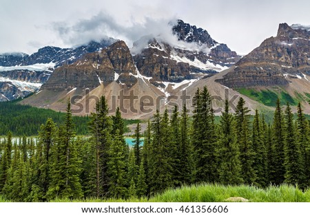 Scenic view of Icefields Parkway in Banff National Park, Alberta, Canada