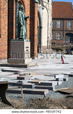 Sculpture and building site around Ribe Cathedral in Denmark.