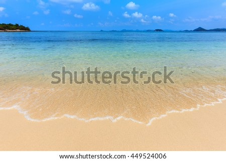 Sea beach and clear water at koh kham island in Sattahip, Chonburi, Thailand
