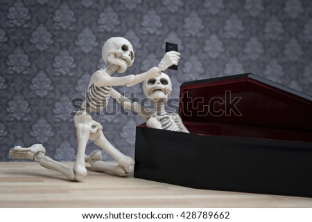Selfie, self portrait with the dead in the coffin