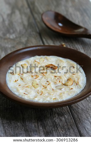 Semiya Payasam / Vermicelli Kheer-Popular Indian festival dessert with vermicelli and milk
