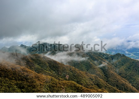 Seoraksan National Park The best of Mountain autumn in South Korea.