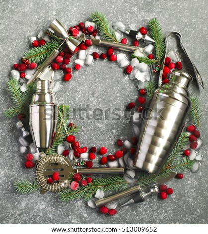 Set of bar accessories in the form of a Christmas wreath