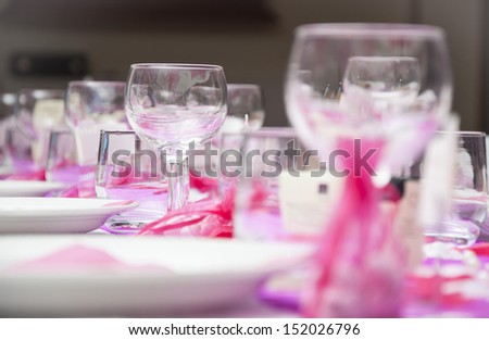 set the table for the wedding party