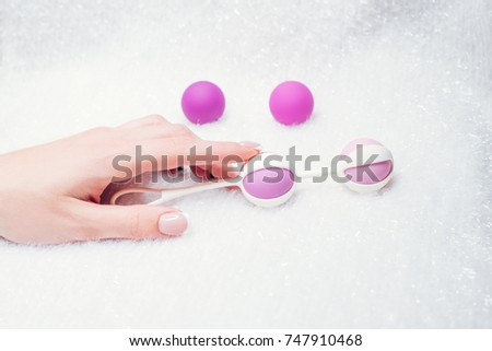 Hand sex toy college