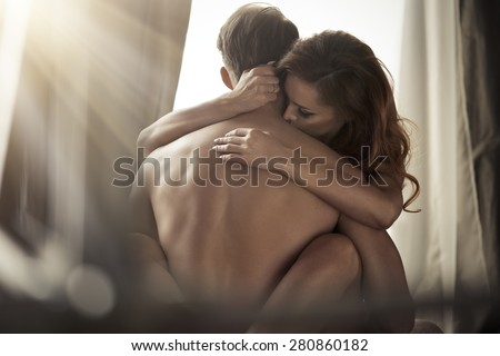 Nude Sexy Pic Couple Kiss