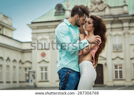 Sexy people kissing #10