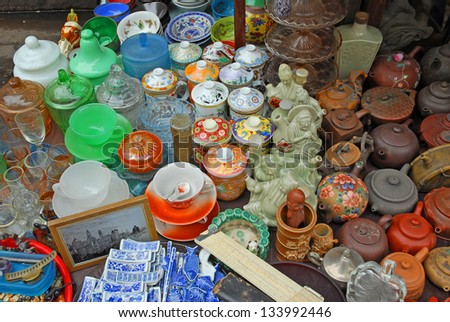 SHANGHAI, CHINA-MAY 4: Dongtai Lu Antique Market tea pots on sale. The market is great for mementos and souvenirs of Shanghai. May 4, 2007 Shanghai, China