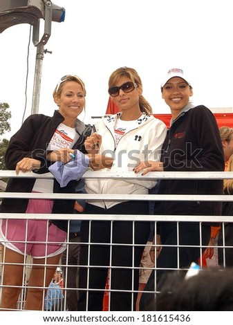 Sheryl Crow, Eva Mendes, Jessica Alba attending LA's Revlon Run/Walk for Women's Cancer Research, Los Angeles Memorial Coliseum, Los Angeles, May 12, 2007