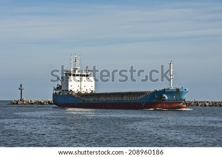 ship sails into port