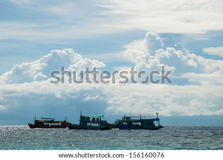 Ships moored in the sea at Koh Nang Yuan, Thailand.