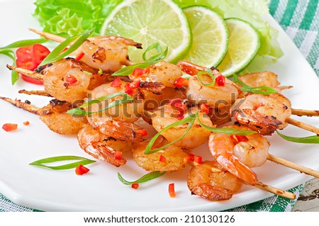 Shrimp sauteed in garlic and soy caramel - stock photo