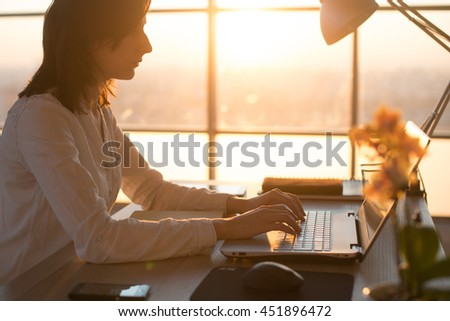 Reasons for Surfing the Internet Essay Sample