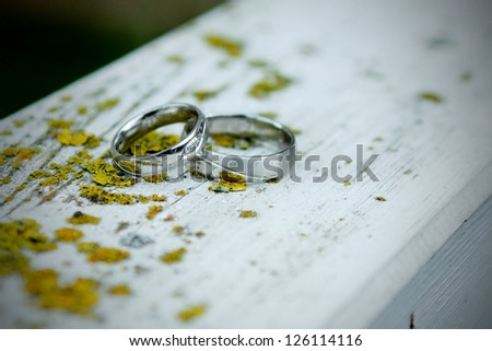 silver wedding rings