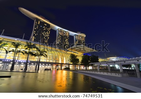 SINGAPORE - MARCH 1:The Marina Bay Sands Hotel dominates the skyline at Marina Bay March 1, 2011 in Singapore. It is the world's most expensive standalone casino property at S$8 billion.