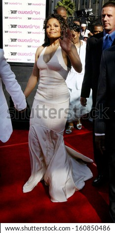Singer Janet Jackson, arrives at the 4th Annual Black Entertaiment Awards at the Kodak Theater June 29, 2004 in Hollywood, CA