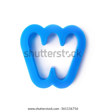 Single W letter form isolated