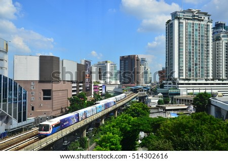 Skytrain in Bangkok, September 28, 2016, a major transit area of Bangkok. Located in the center of the capital , Save travel time as well.