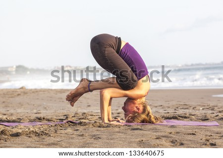 Teen girl swimsuit selfies