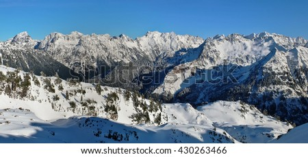 Sloan Peak and The North Cascades Reach Towards the Sky.  Gothic Basin Trail, North Cascades, Washington - stock photo