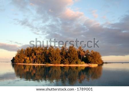 small desert island in Tahiti, Pacific ocean - stock photo