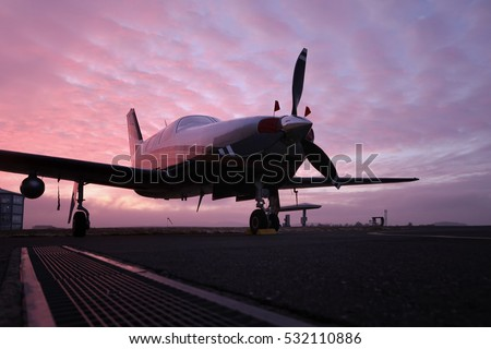 Propeller Plane Stock Images, Royalty-Free Images ...