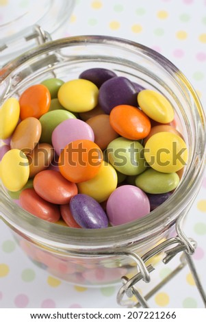 Smarties or crisp candy shell chocolate