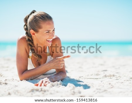 photos of girls laying on the beach № 11790