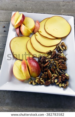 Smoked Gouda cheese with nutritious whole pecans and walnuts
