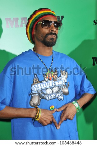 Snoop Dog at the Los Angeles premiere of Marley at the Cinerama Dome, Hollywood. April 17, 2012  Los Angeles, CA Picture: Paul Smith / Featureflash